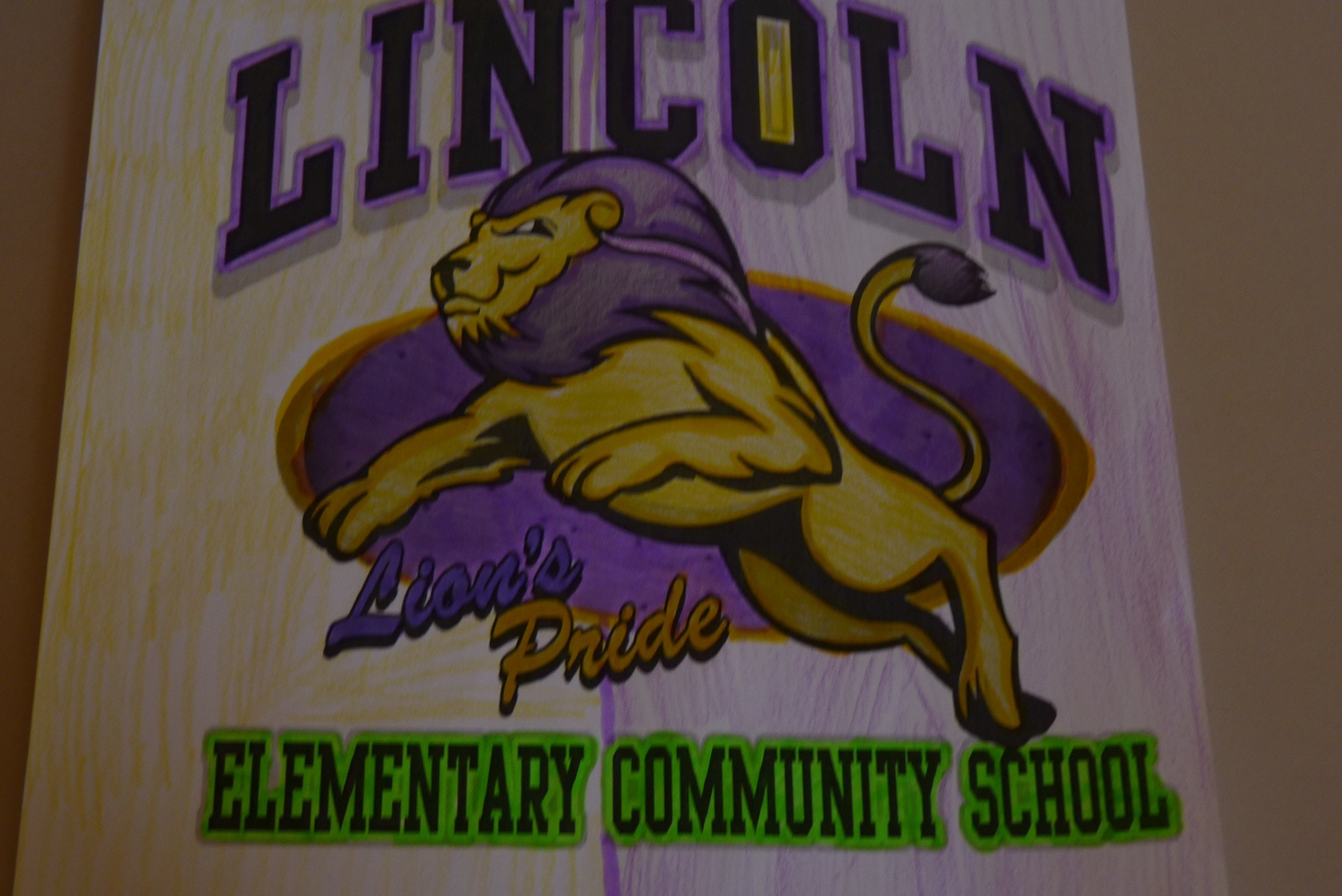 Lincoln Lions Love to Read!