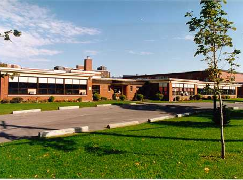 Woodroffe Avenue Public School Library