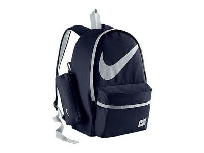Nikehalfdaybackpack.jpg?ch=width%2cdpr%2csave data&auto=format%2ccompress&dpr=2&format=jpg&w=250&h=187
