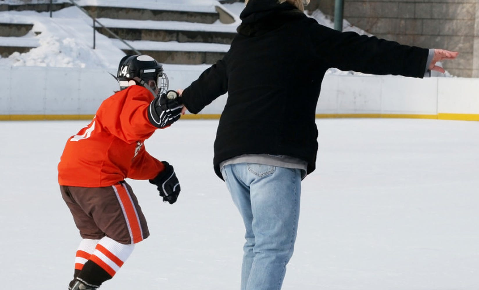 Effective fundraising ideas for hockey moms1 879x496