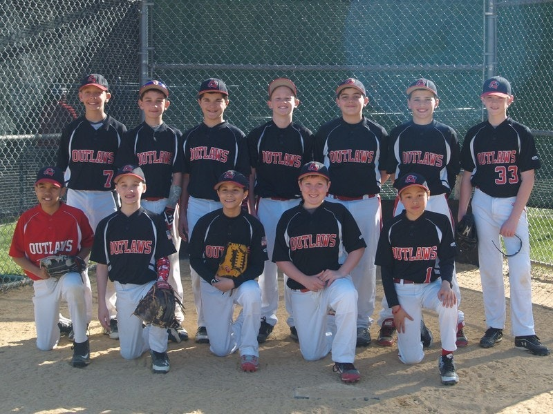 FlipGive Fundraising Heroes: 12U Outlaws