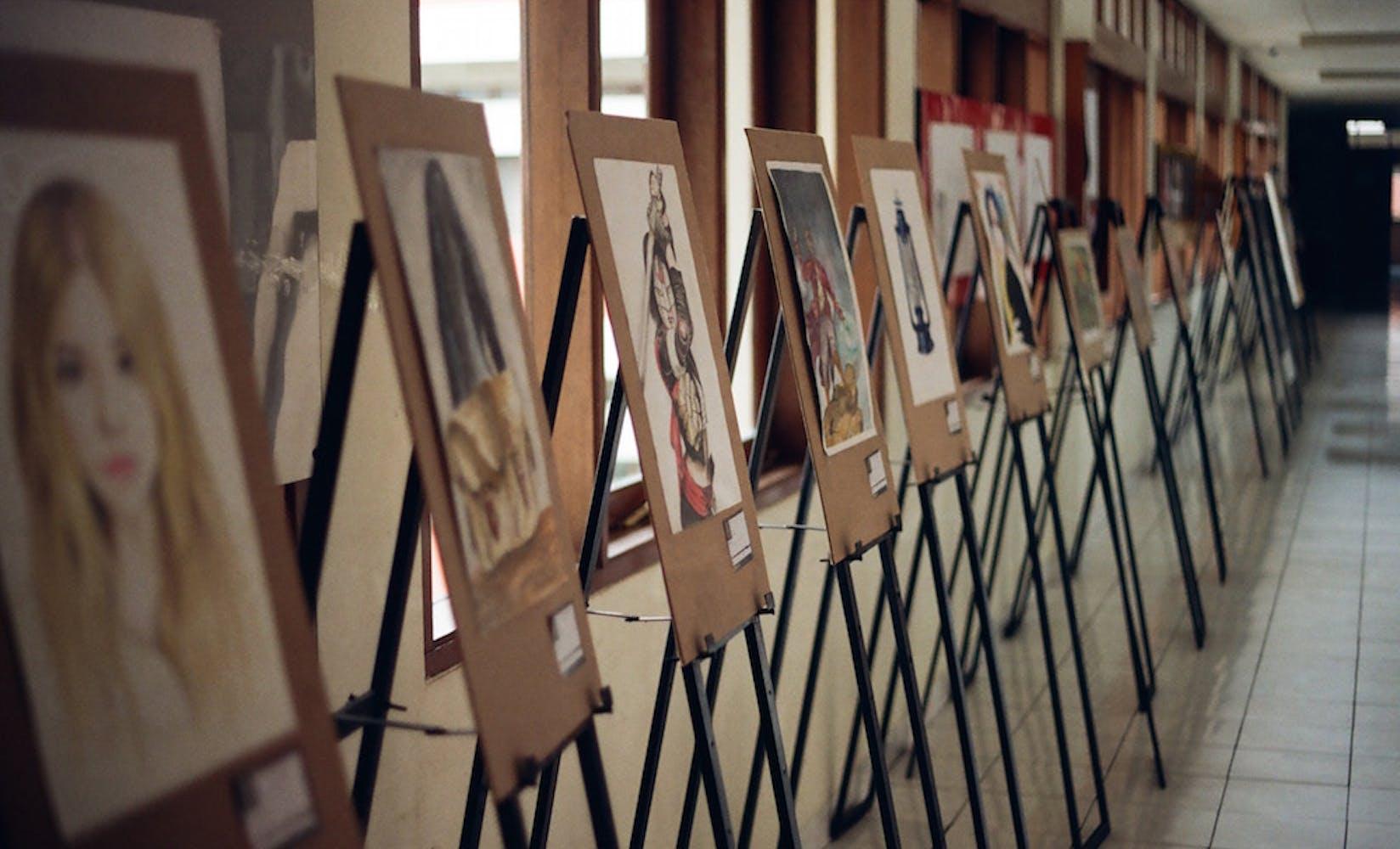 Silent auction fundraiser flipgive